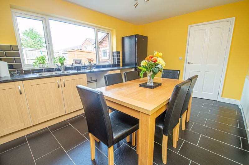3 bed house for sale in Winstone Close 4