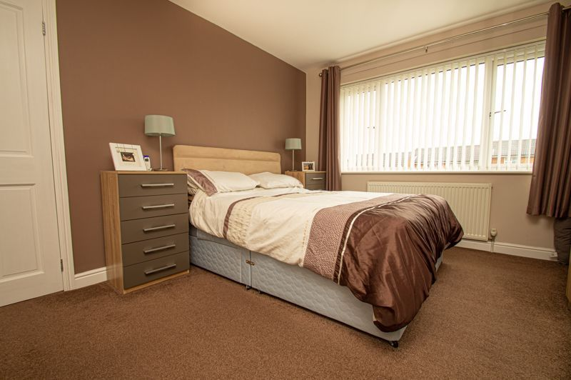 3 bed house for sale in Winstone Close 7