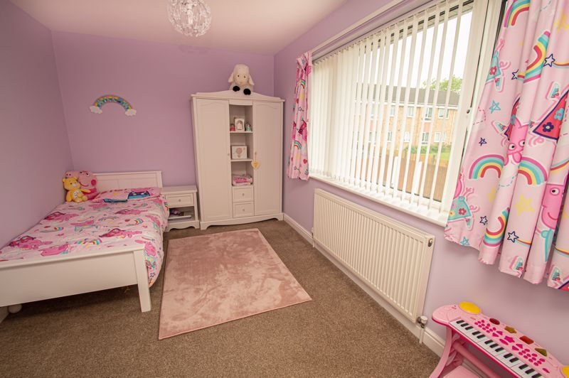 3 bed house for sale in Winstone Close 8