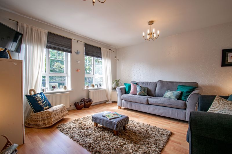 2 bed flat for sale in St. Peters Close 12