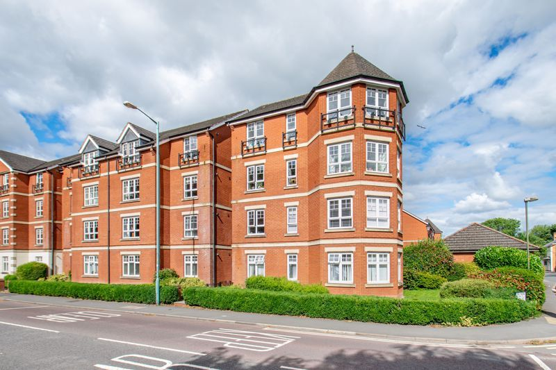 2 bed flat for sale in St. Peters Close 13