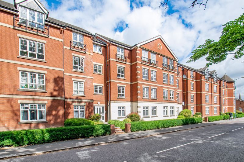 2 bed flat for sale in St. Peters Close 14