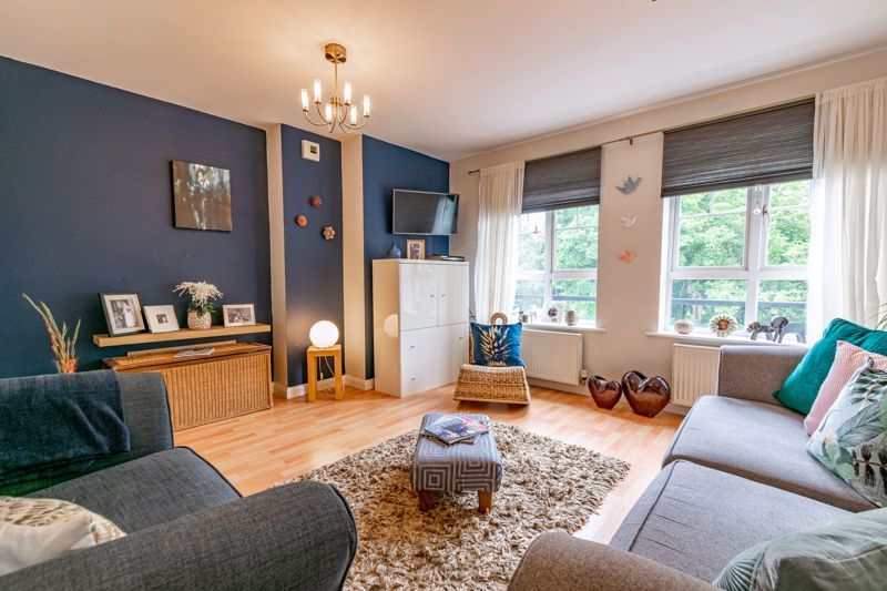 2 bed flat for sale in St. Peters Close  - Property Image 3