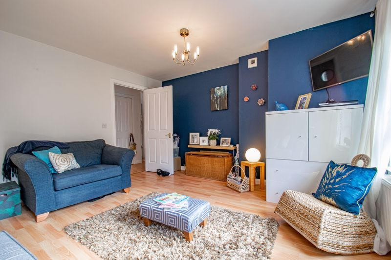 2 bed flat for sale in St. Peters Close 4