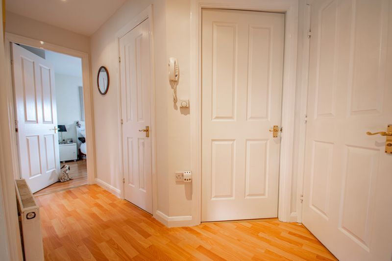 2 bed flat for sale in St. Peters Close 10