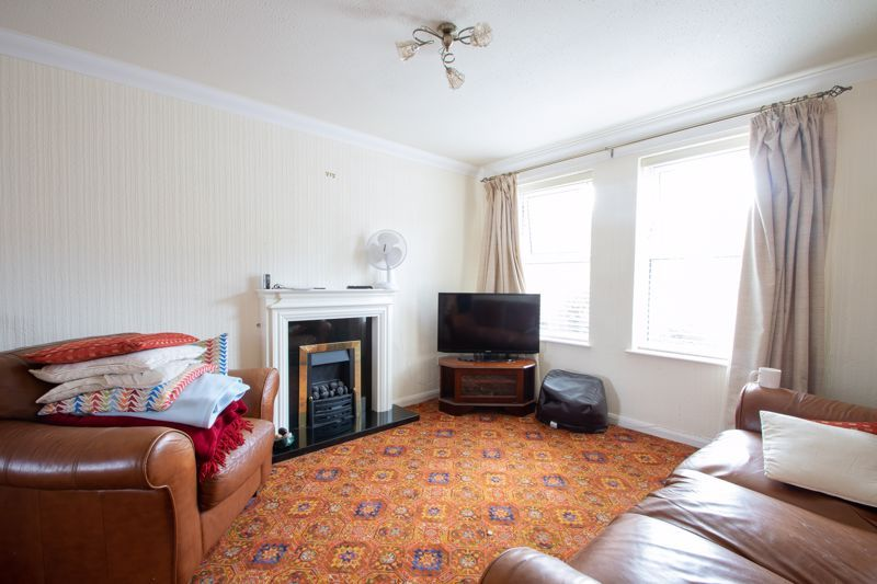 3 bed house for sale in Barsham Drive 2
