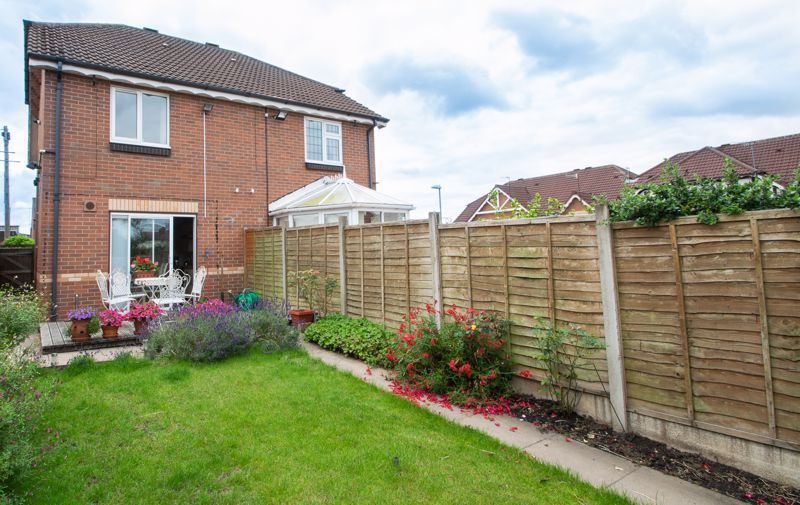 2 bed house for sale in Stewkins 14