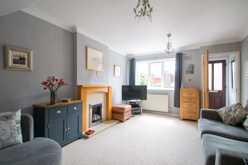 2 bed house for sale in Stewkins 3