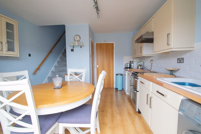 2 bed house for sale in Stewkins 6