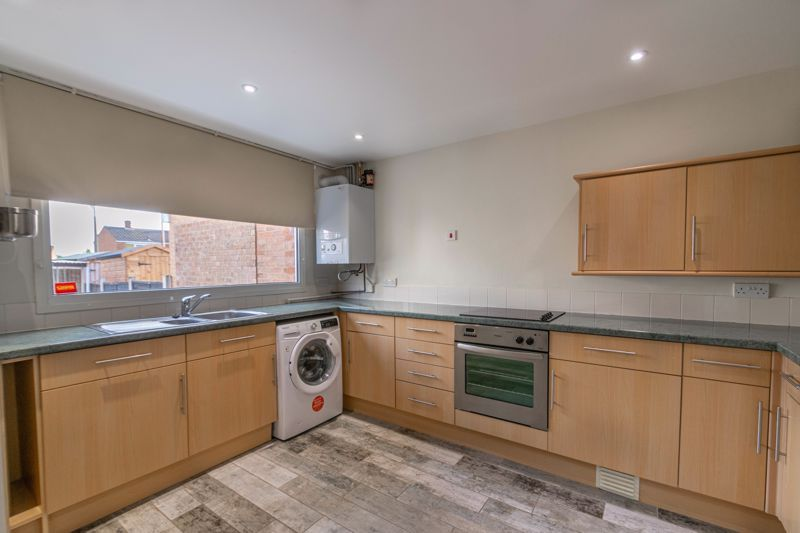 2 bed house for sale in Priors Oak 2