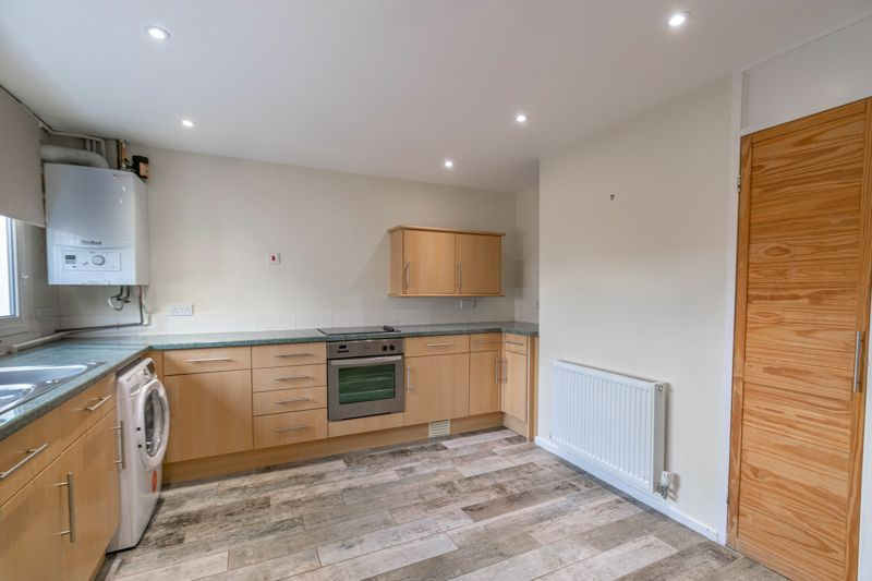 2 bed house for sale in Priors Oak 3