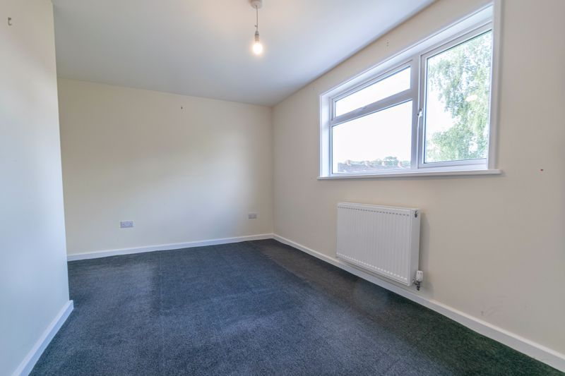 2 bed house for sale in Priors Oak 6