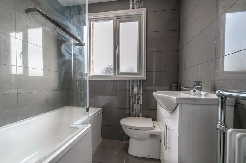 2 bed house for sale in Priors Oak 10