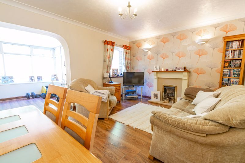 3 bed house to rent in Quantock Road  - Property Image 4