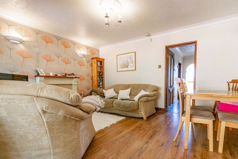3 bed house to rent in Quantock Road  - Property Image 5