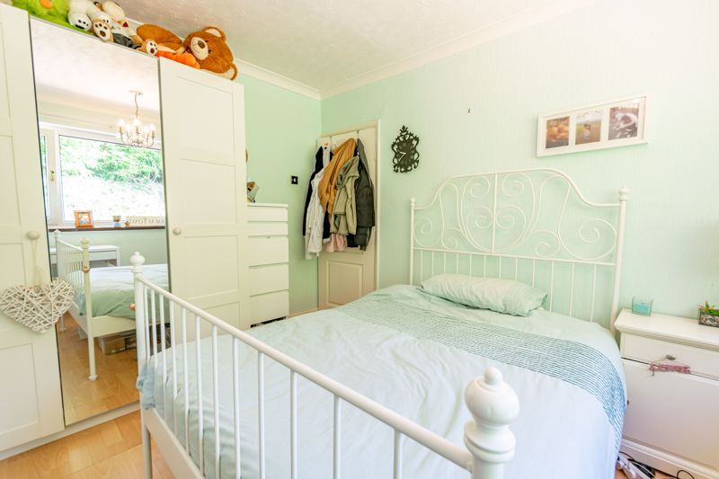 3 bed house to rent in Quantock Road 9