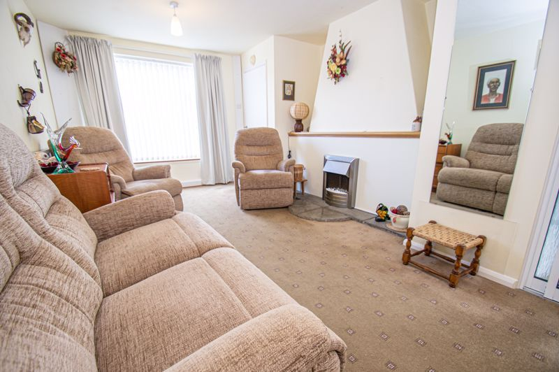 2 bed house for sale in Eden Close 2