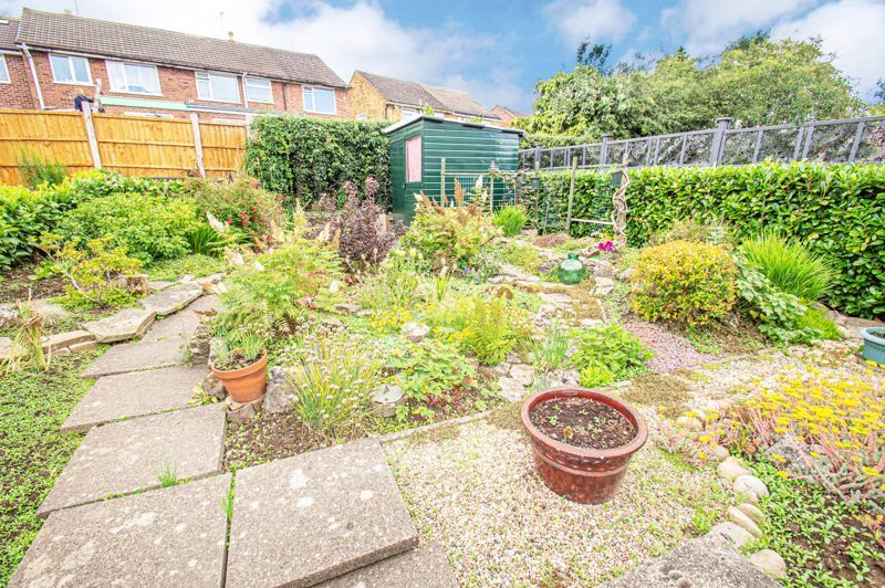 2 bed house for sale in Eden Close 11
