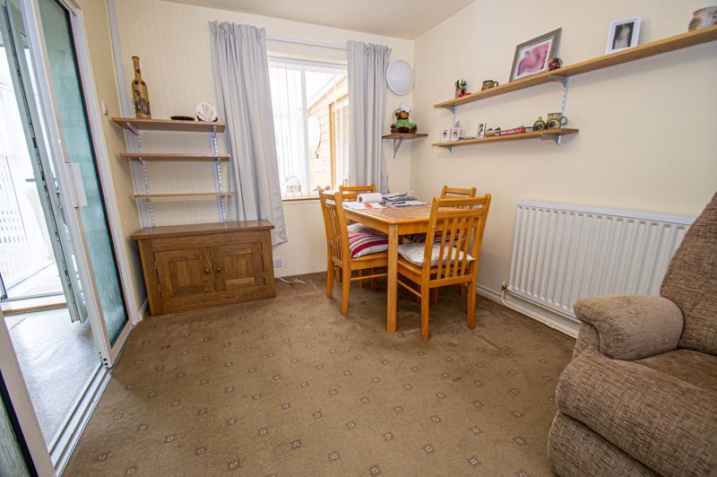 2 bed house for sale in Eden Close 3