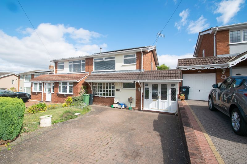 3 bed house for sale in Kempsey Close 1