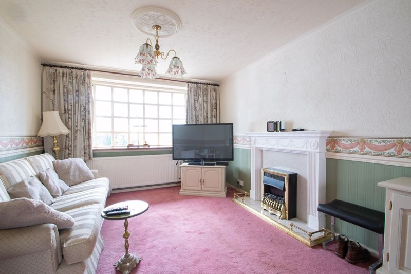 3 bed house for sale in Kempsey Close 2