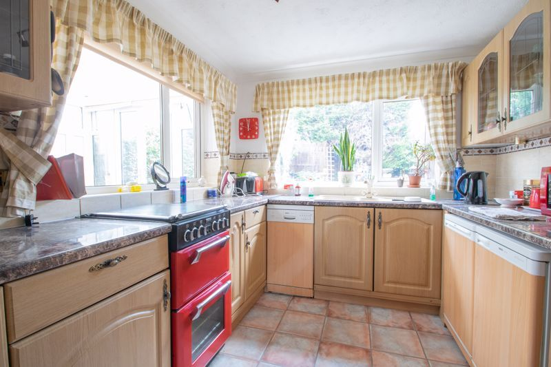 3 bed house for sale in Kempsey Close 6