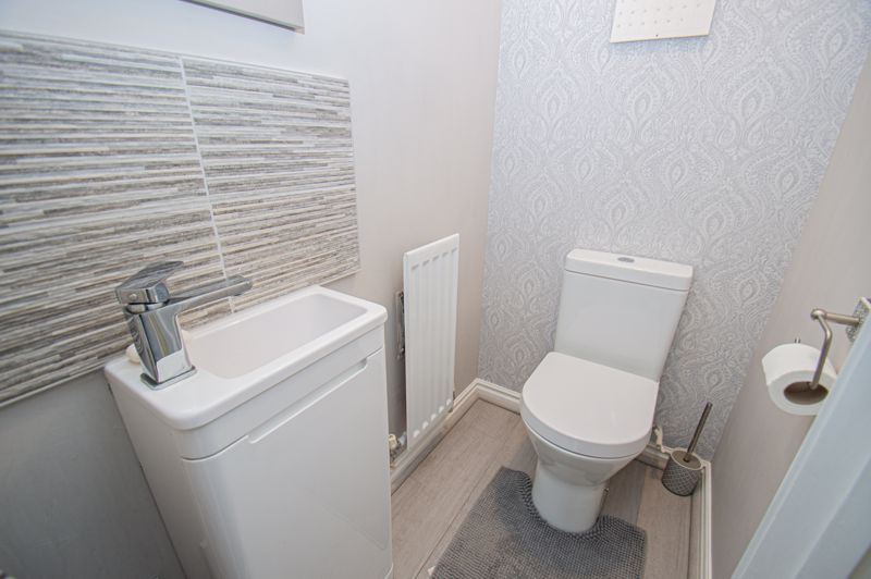 3 bed house for sale in Batchelor Close 7
