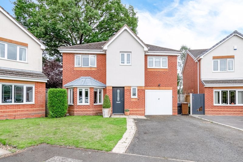 5 bed house for sale in Davenham Road 1