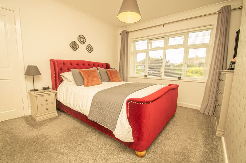 4 bed house for sale in Garland Crescent 9