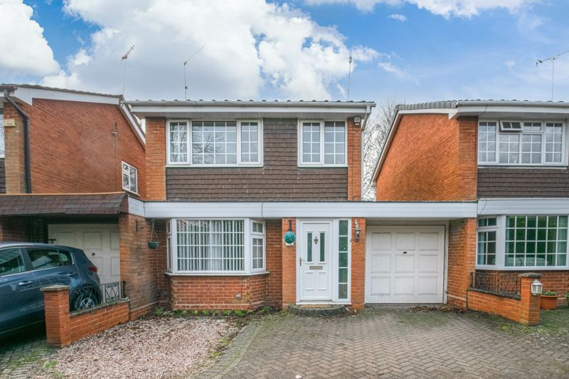 3 bed house for sale in Abbotswood Close - Property Image 1