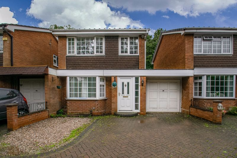 3 bed house for sale in Abbotswood Close 2