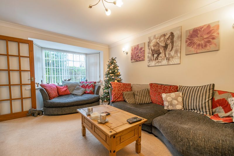3 bed house for sale in Abbotswood Close 6
