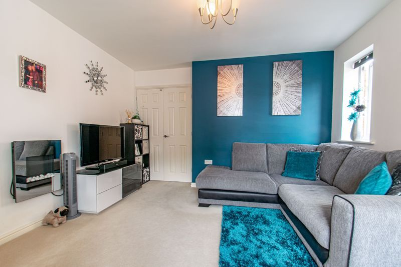 3 bed house for sale in Robins Lane  - Property Image 15