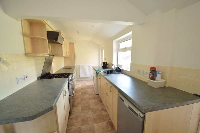 2 bed house to rent in Evesham Road 4