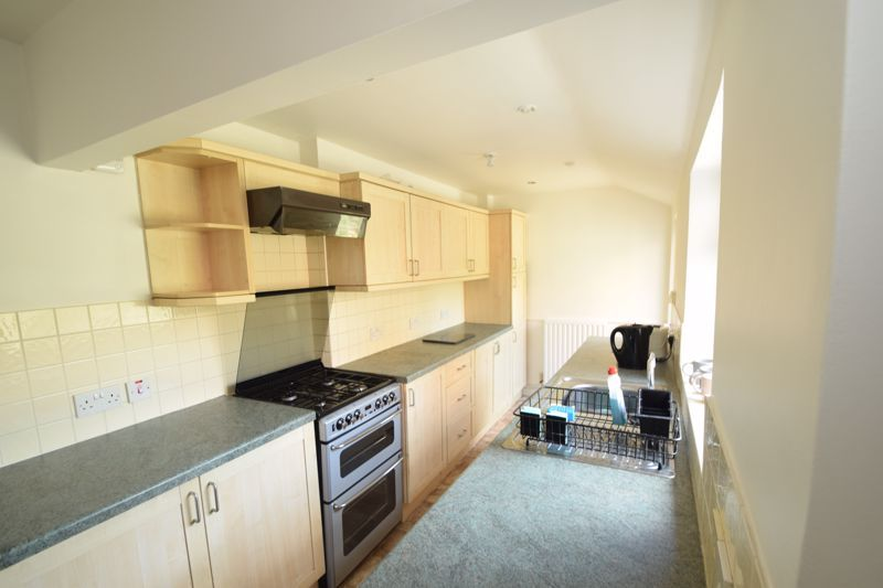 2 bed house to rent in Evesham Road 5