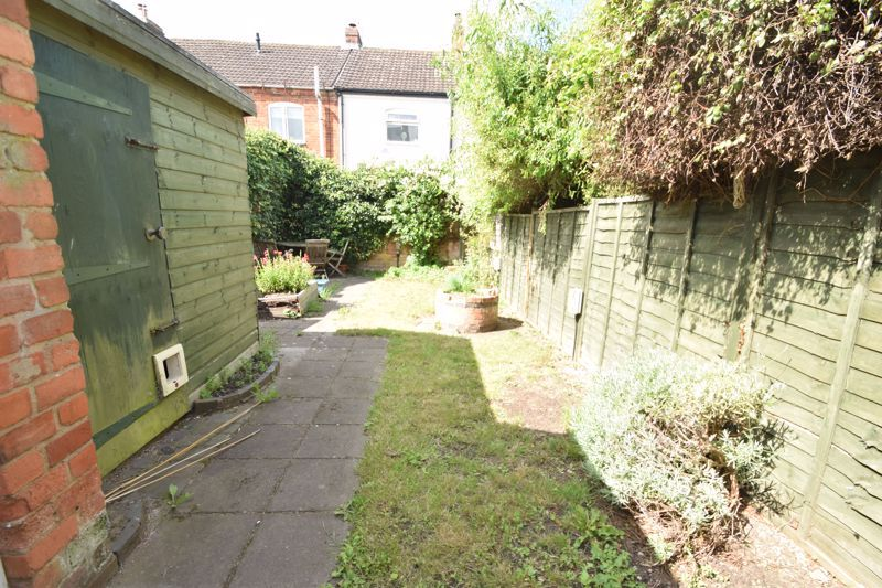 2 bed house to rent in Evesham Road 7