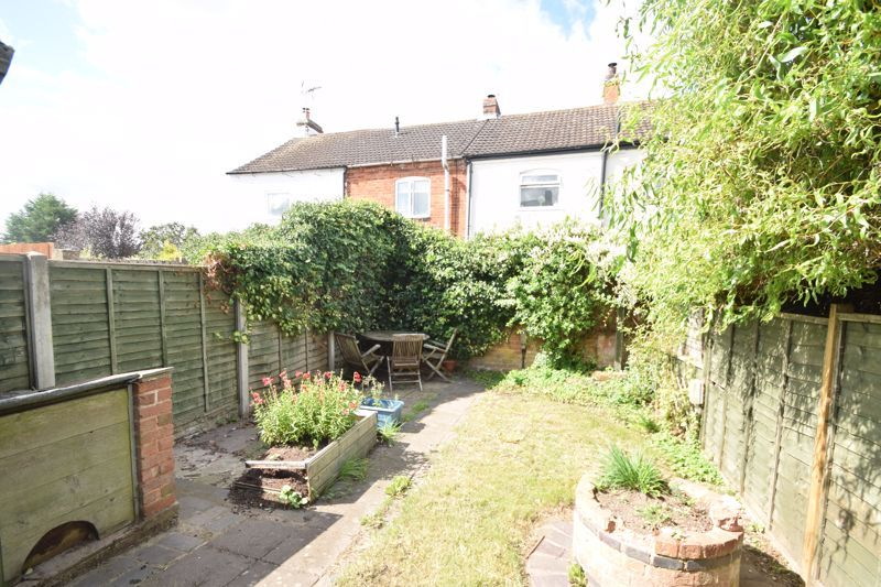 2 bed house to rent in Evesham Road 8