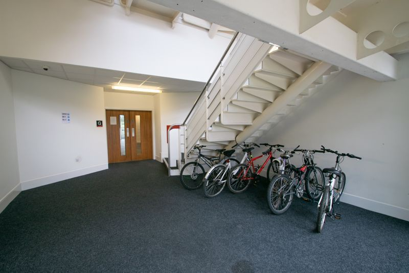 1 bed flat for sale in Waterfront West  - Property Image 11