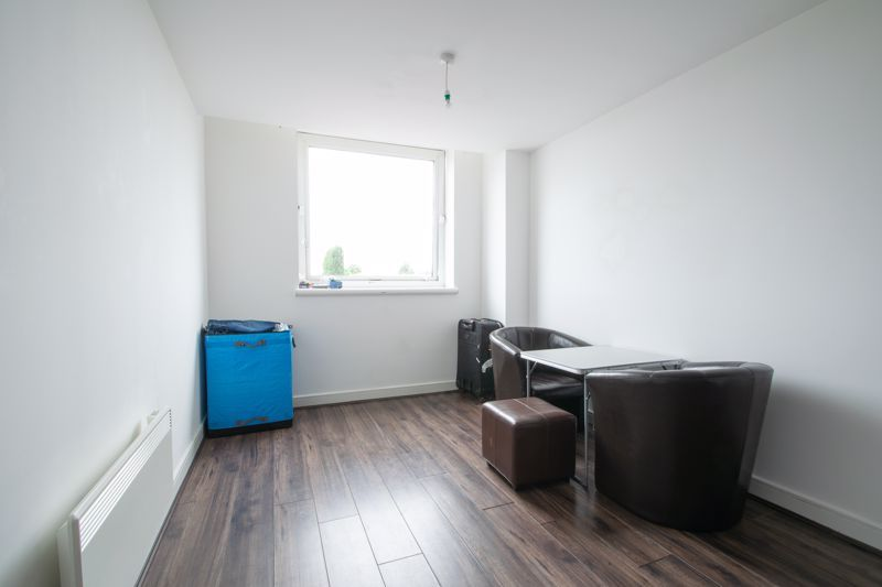 1 bed flat for sale in Waterfront West 3