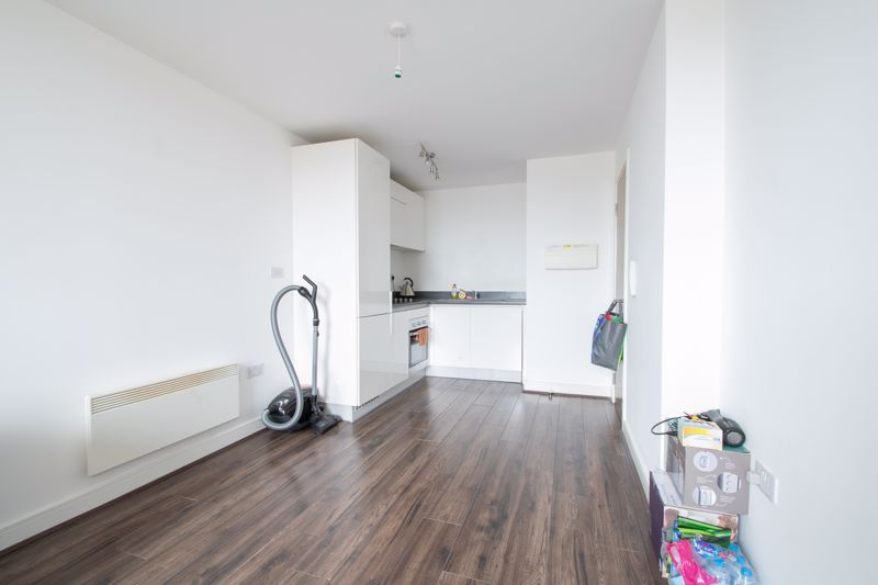 1 bed flat for sale in Waterfront West 7