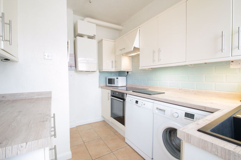 3 bed house for sale in Newfield Lane 18