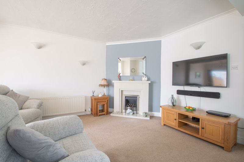 3 bed house for sale in Newfield Lane 3