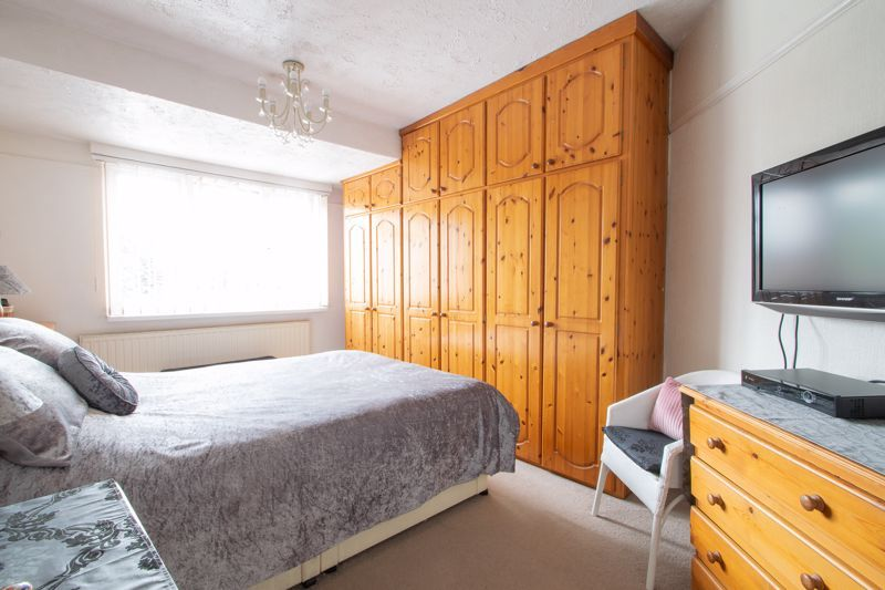 3 bed house for sale in Newfield Lane 8