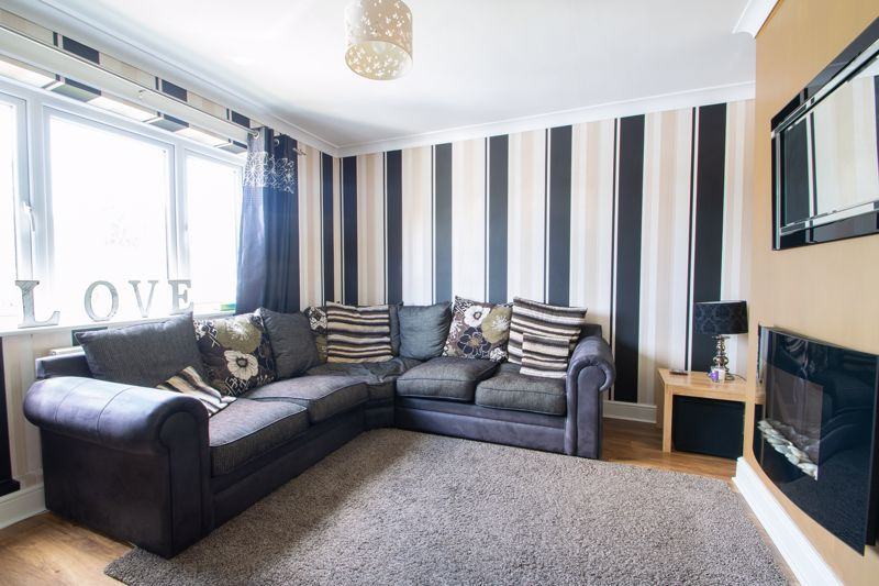 3 bed house for sale in Caslon Crescent  - Property Image 2