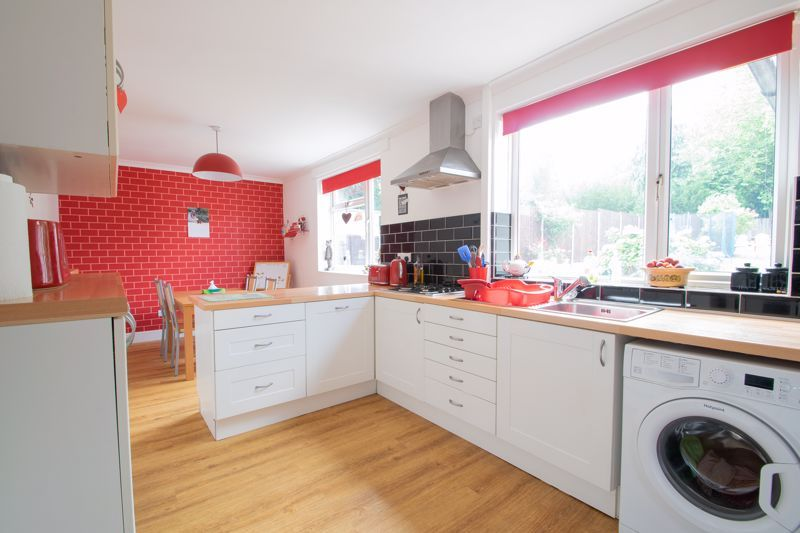 3 bed house for sale in Caslon Crescent 4