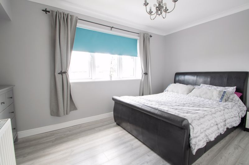 3 bed house for sale in Caslon Crescent 6