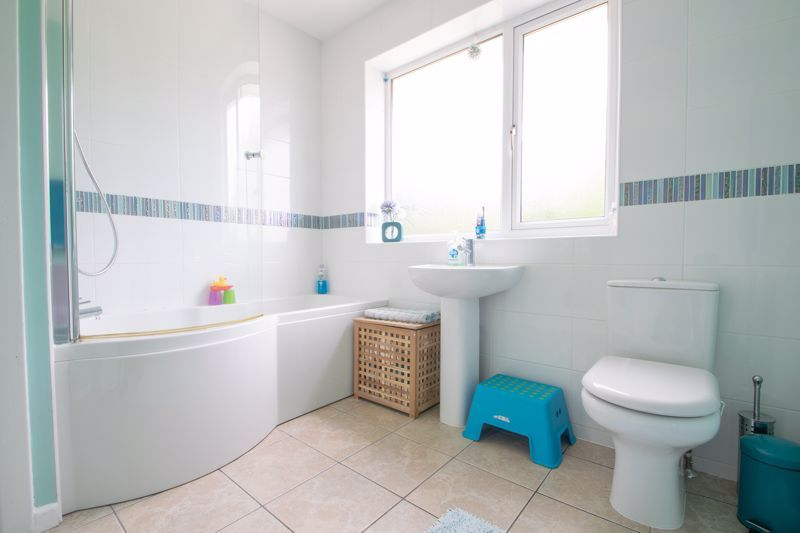 3 bed house for sale in Caslon Crescent 9
