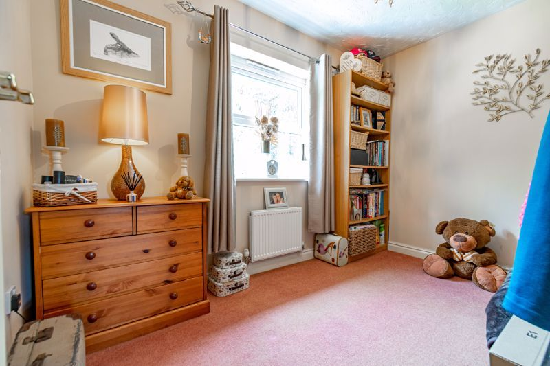 4 bed house for sale in Moorcroft Gardens  - Property Image 10
