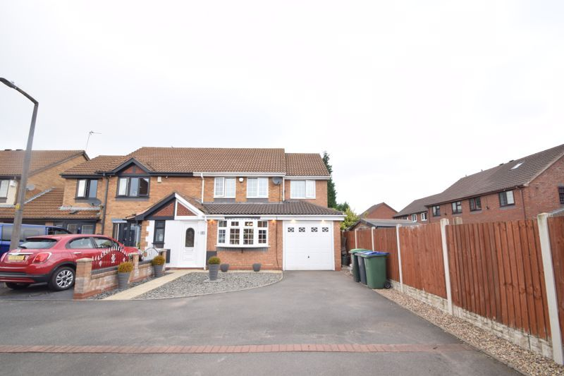 3 bed house to rent in Jenny Close 2