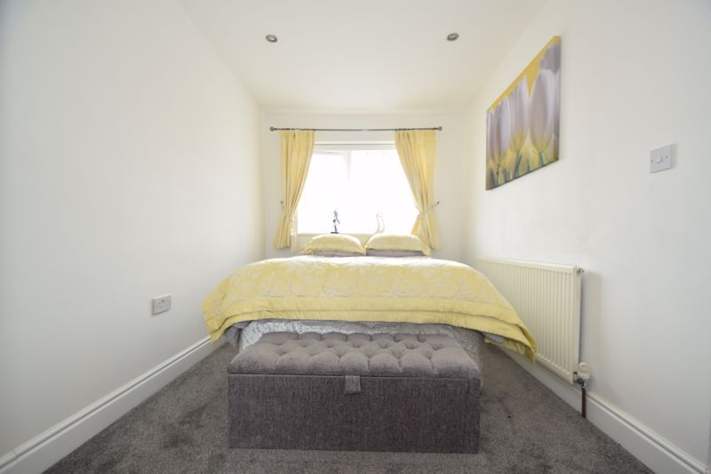 3 bed house to rent in Jenny Close 11